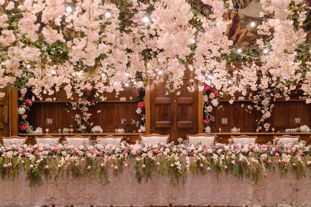 Fresh flower bridal table