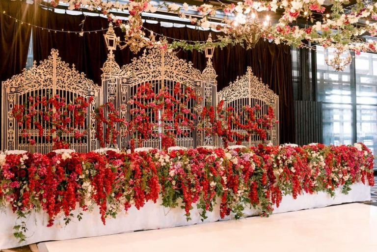 bridal-table-flowers-red-1024x684