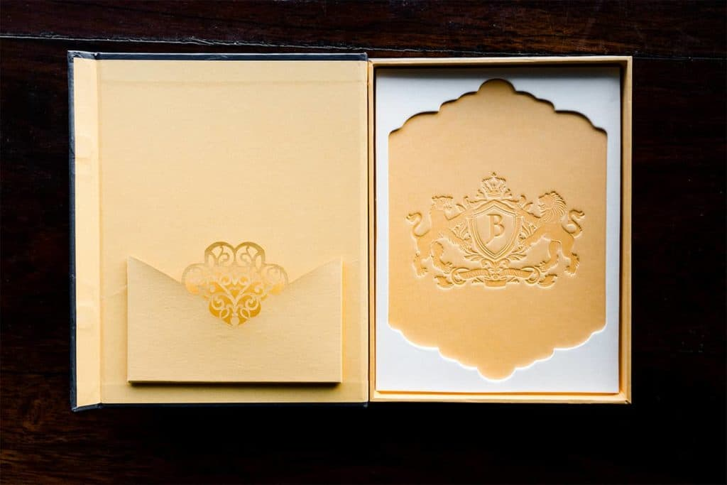 debossed-wedding-invitation-box-1024x683