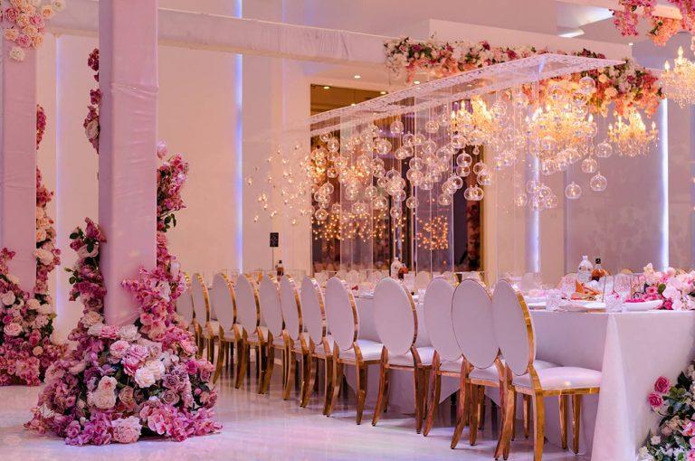 romantic-candle-wedding-centrepiece